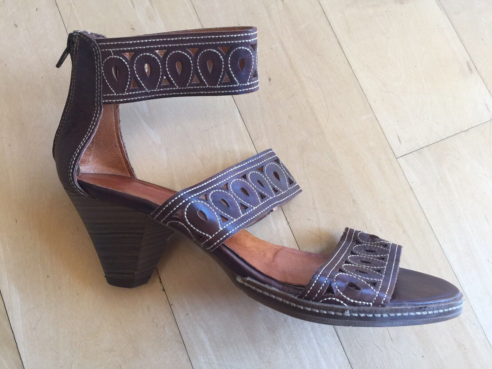 PIKOLINOS PIKOLINOS PIKOLINOS Brown Pierced Leather Strappy Gladiator Block Heel Sandals 40  9.5 10 c32cdd