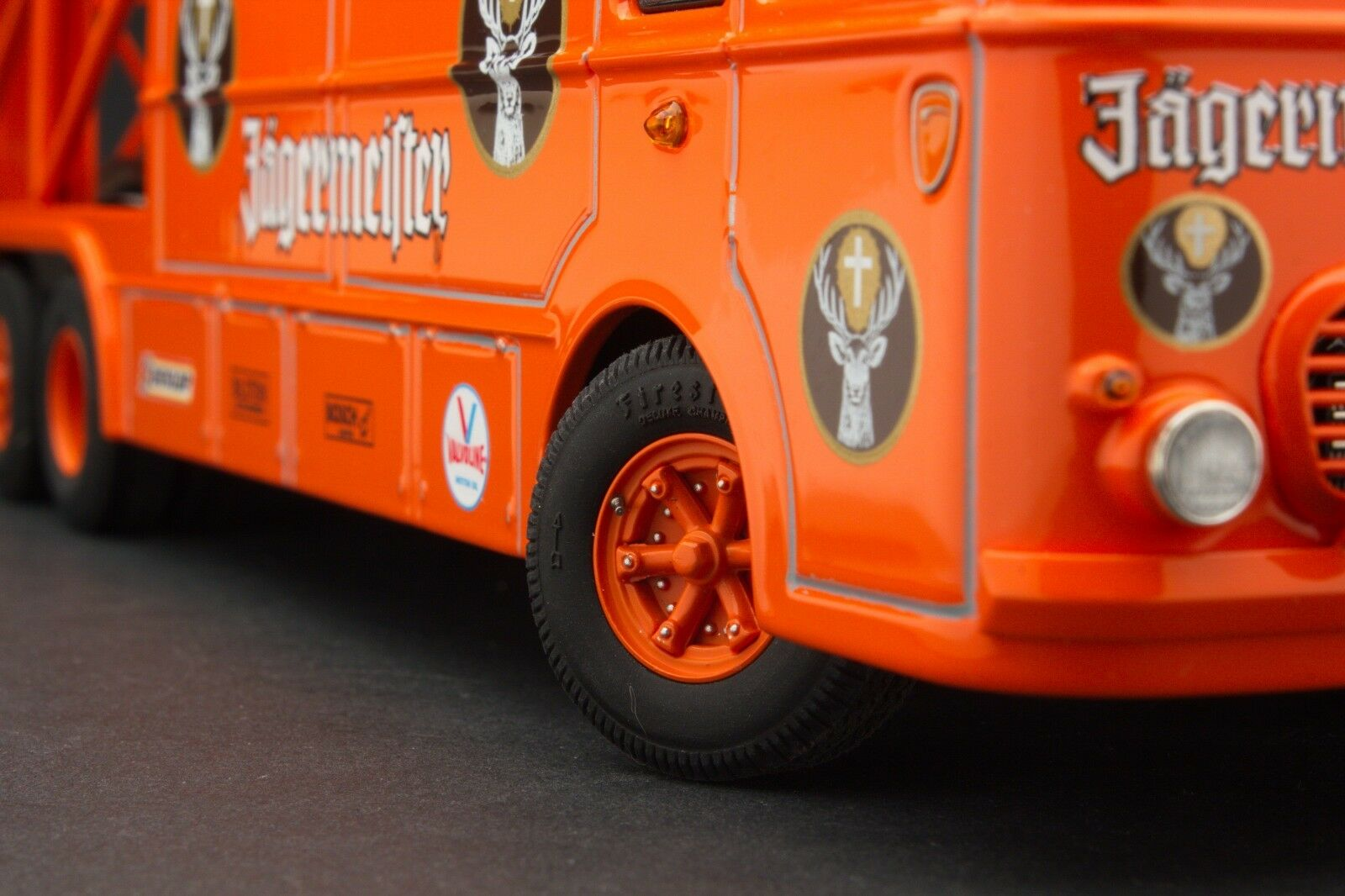 Exoto 43 Delantales Bartoletti transportador de coche de carreras de 306 2 1 43 EXO00039
