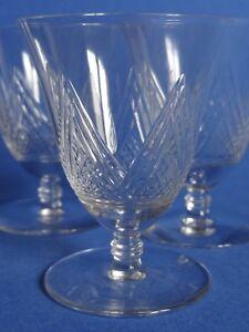 verres anciens art d co cristal annonces d 39 achats et de ventes. Black Bedroom Furniture Sets. Home Design Ideas