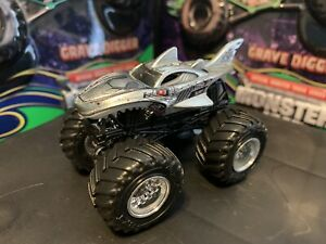 Hot Wheels Monster Jam Truck 1 64 Diecast Metal Cyborg Shark Silver Chrome Ebay