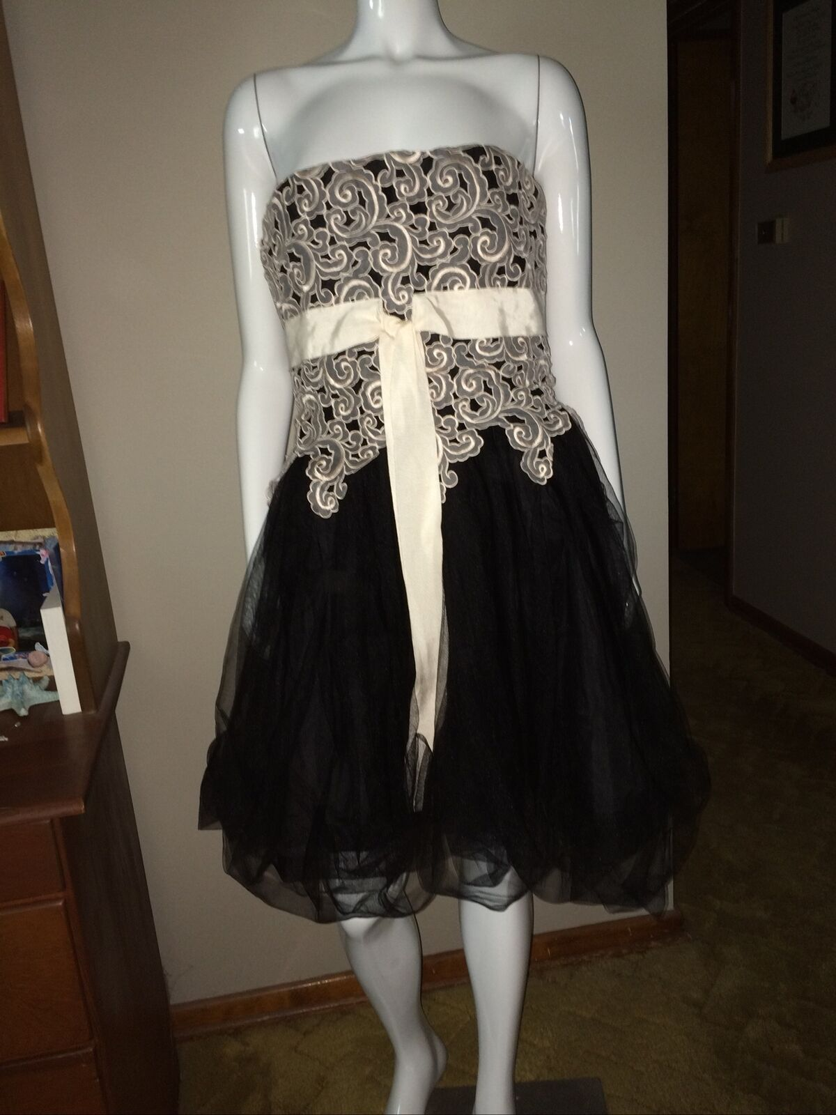 Alannah Hill Black, Cream, Gray Tulle Full Flair Strapless Party Dress 14