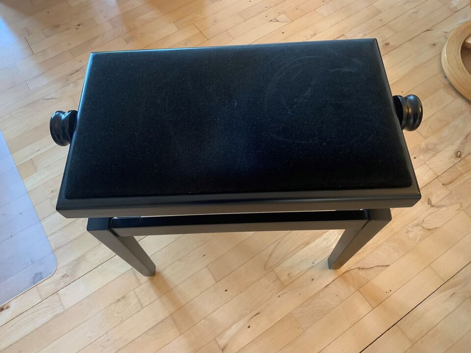 Keyboard, Yamaha Tyros 1 Digital Workstation