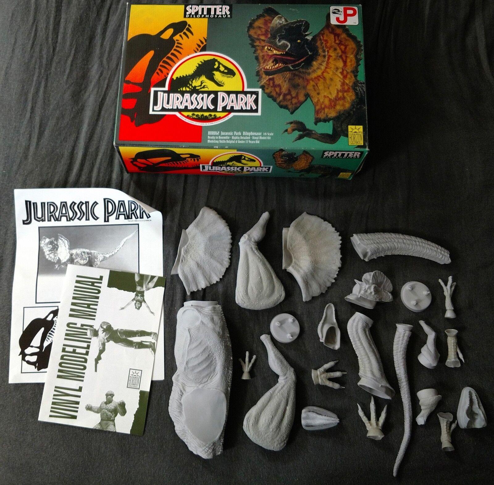 Vintage 1993 Horizon Jurassic Park Dilophosaurus/Spitter 1/6 scale Model Kit