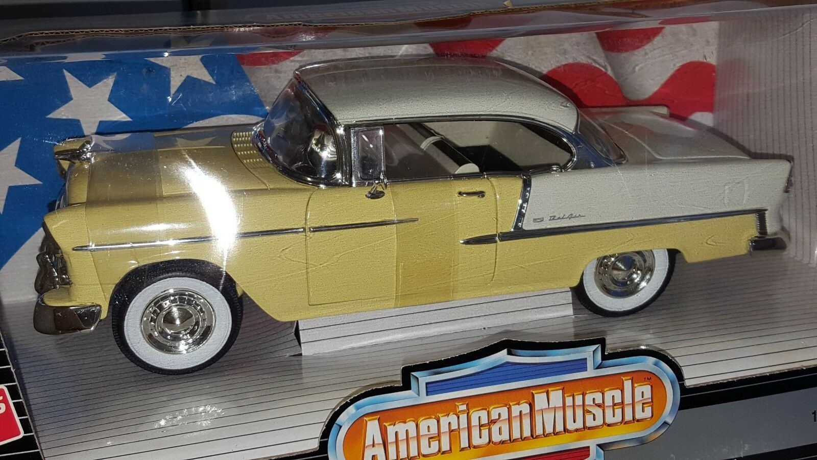 1 18 ERTL AMERICAN MUSCLE 1955 CHEVROLET BEL AIR YELLOW & WHITE od