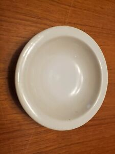 Vintage-Red-Wing-Dish-Plate-Pottery-White-5-034