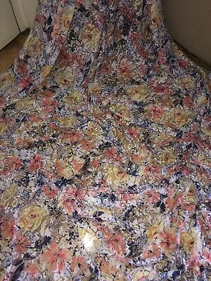 """1 MTR RED FLORAL 4 WAY LYCRA STRETCH FABRIC..60/"""" WIDE £3.49"""