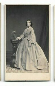 Victorian-era-woman-lovely-day-dress-Photo-by-Owen-Angel-Exeter-6083