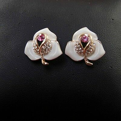 Boucles d`Oreilles Clous Fleur Email Blanc Violet Retro Style Mariage Cadeau NN4