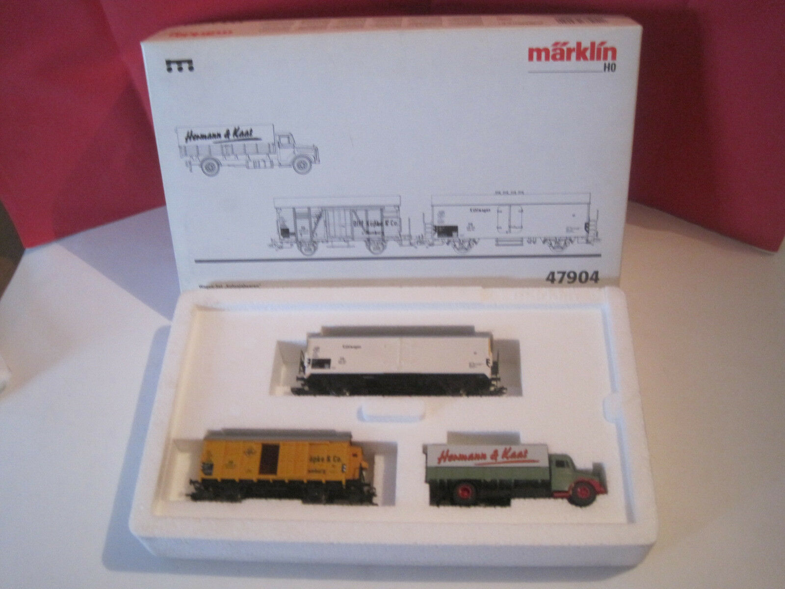 Marklin oh superb boxed wagons  colonial goods  nine box