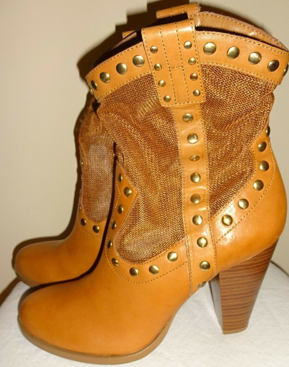 BCBG  Winston  Brown Leather Mesh Studs 4  Heel Sexy Ankle Boots shoes Size 8.5