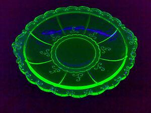 Kleiner-Teller-Small-Plate-Schale-URANGLAS-URAN-GLAS-VASELINE-GLASS-Dia-15-3-cm