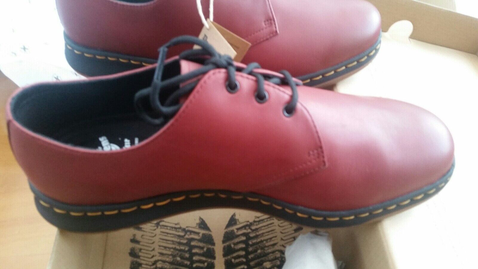 Dr Martens Lite Cavendish 21859600 Cherry Red Temperley shoes size 5