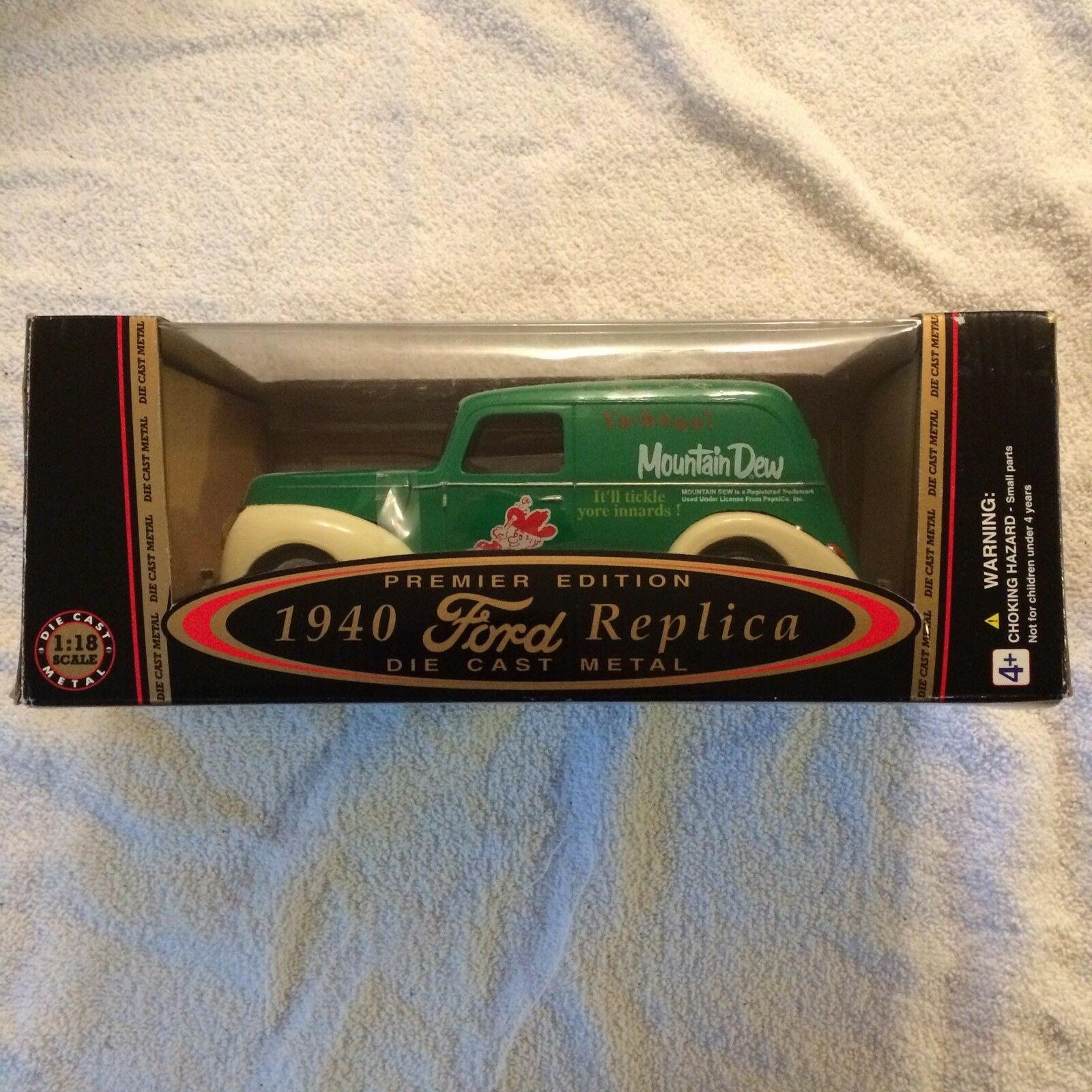 golden Wheels 1940 Ford Replica Panel Truck Mountain Dew 1 18