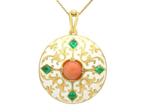 0.55 Ct Emerald Coral and Enamel 18k Yellow Gold L