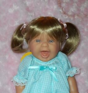 Monique-MEI-Ponytail-Doll-Wig-Size-10-11-Blonde-Modacrylic-Full-Cap-Wig-NWT