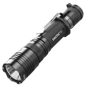 Eagletac-T25LR-CREE-XHP35-HD-E4-CW-LED-Rechargeable-Flashlight-KIT-2000Lm
