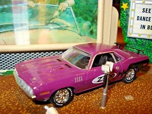 1971 71 PLYMOUTH CUDA 383 LIMITED EDITION 1/64 PURPLE M2