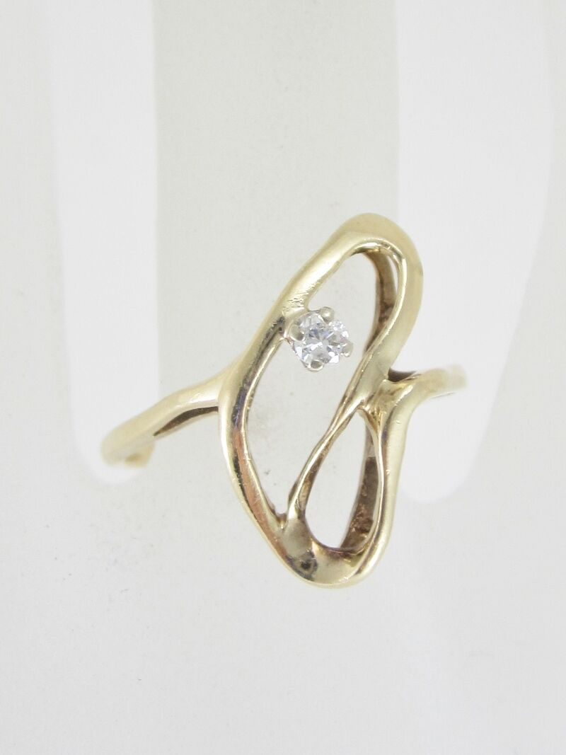 BEAUTIFUL LADIES 14K YELLOW gold SOLITAIRE FASHION RING 2.6G 0.045CT