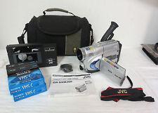 JVC CAMCORDER GR-SXM260 DIGITAL SIGNAL PROCESSING SUPER COMPACT VHSC LCD W/ BAG