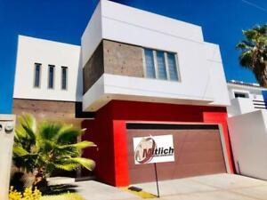 Casa en Venta en Venta Fracc Rincones Del Pedregal $3,650,000