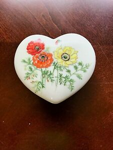 Floral heart trinket box