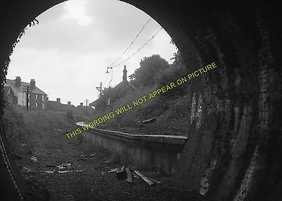 Mill Hill Railway Station Photo. Cowes - Newport. Isle of Wight. (7)
