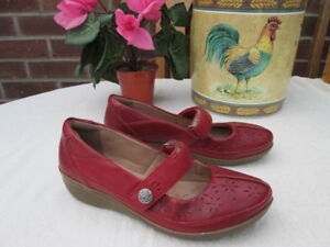 LADIES-CLARKS-COLLECTION-CUSHION-SOFT-MARY-JANE-SHOES-SIZE-4-D-FIT