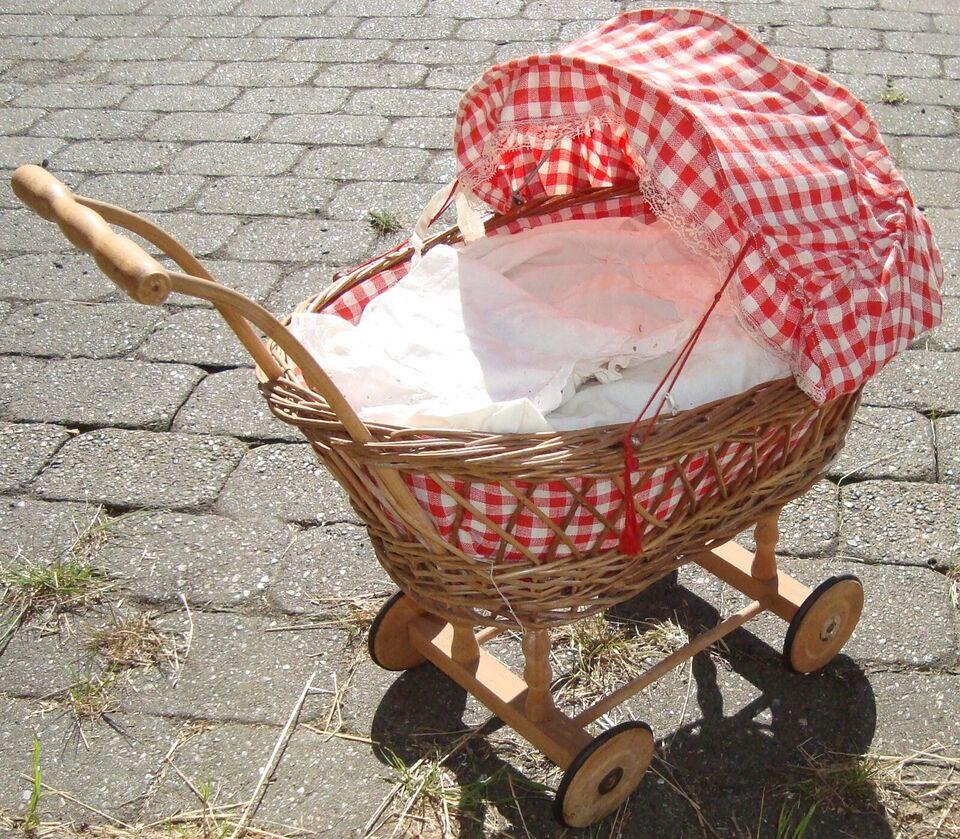 Dukkemøbler, Ældre Flet Dukkevugge med hjul