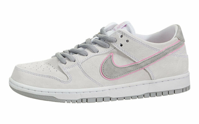 new product 4bb68 d4f1e Nike SB ZOOM DUNK LOW PRO IW White Perfect Pink Flt Silver (D) (689) Men's  Shoes
