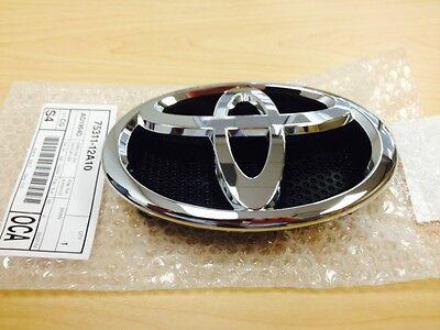 Toyota Yaris Sedan 2006-2012  Front Grille Emblem Genuine OEM  75301-52080