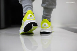 Nike Sock Dart SP Volt Summit White flyknit fragment design 686058-771