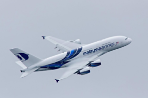 MALAYSIAN-AIRLINES-A380-LARGE-PLANE-MODEL-BOEING-AIRPLANE-APX-45cm-SOLID-RESIN