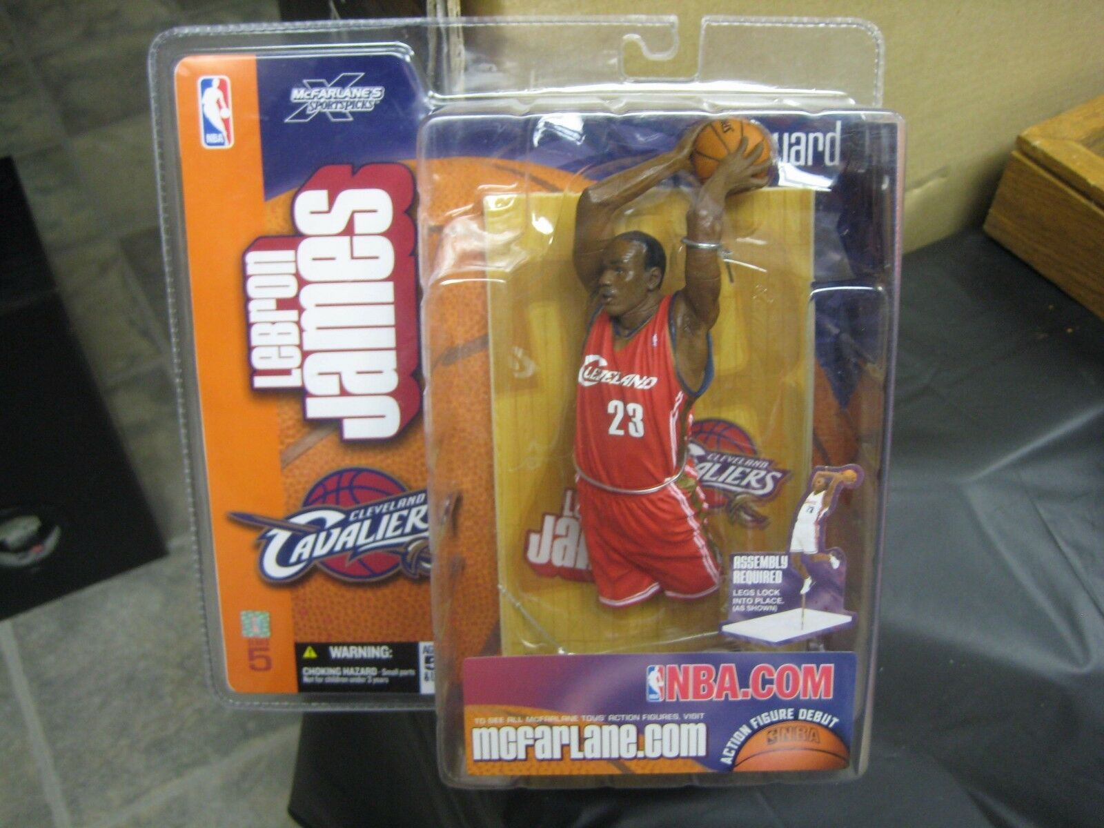 McFARLANE - Lebron James - Rookie Red Jersey Chase figure