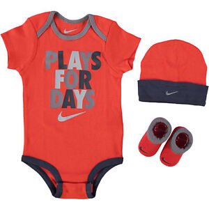 f1295dc3 NIKE Baby Boy / Girl 3-pc Red Outfit Gift Set 'Plays For Days' 6-12 ...