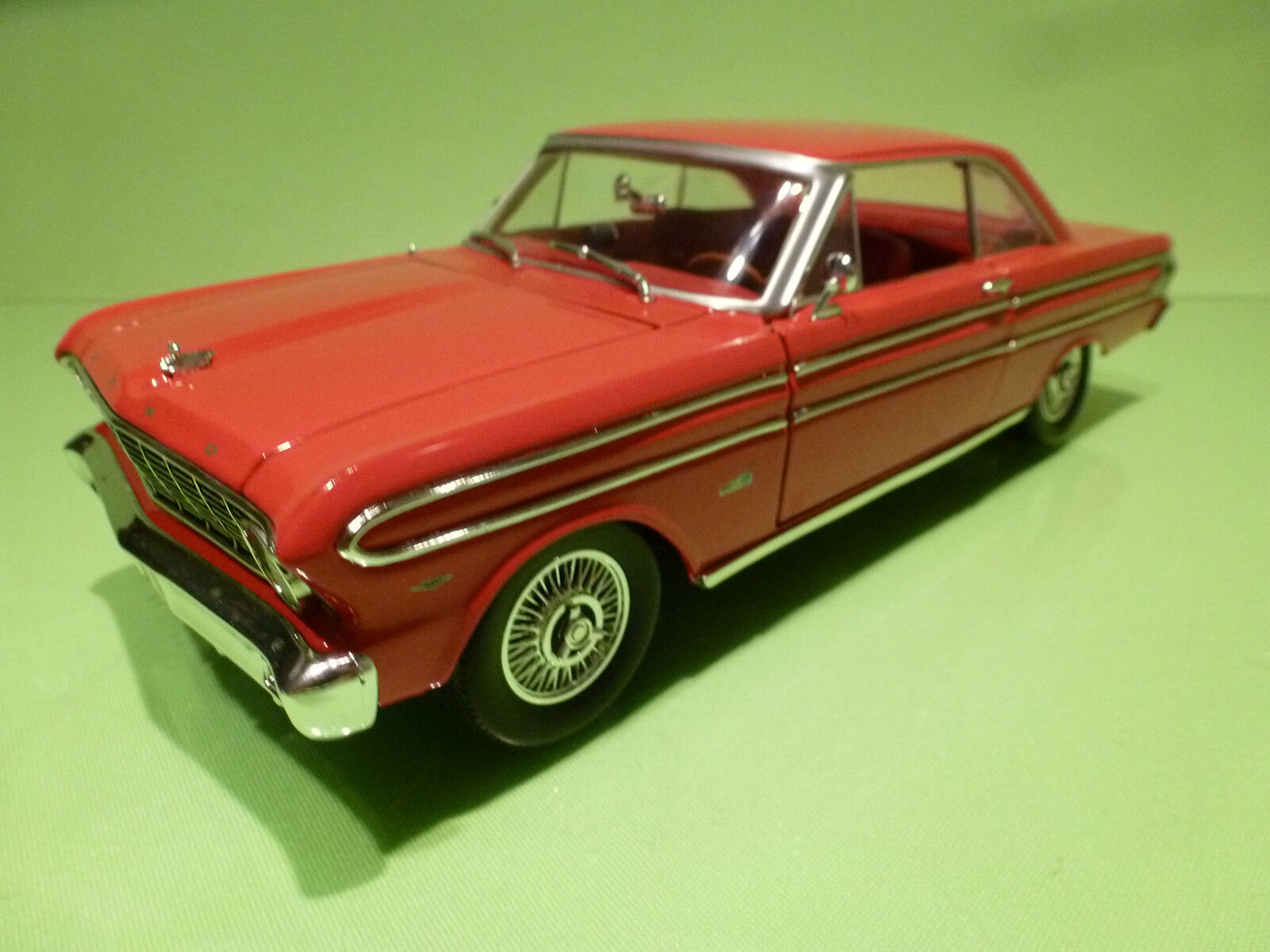 ROAD SIGNATURE FORD FALCON 1964  - RED 1 18 - VERY GOOD CONDITION