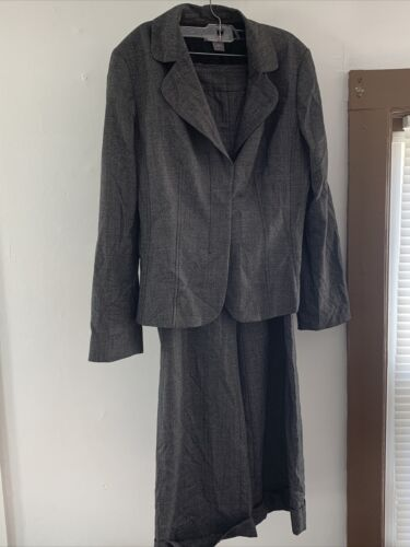 Ann Taylor Womans Suit