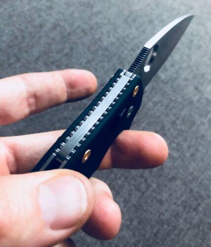 Spyderco Manix 2 CUSTOM Gold Scale Screws