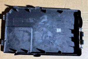 Audi-A3-VW-Siege-Couvercle-De-La-Batterie-Couvercle-Authentique-1K0915443