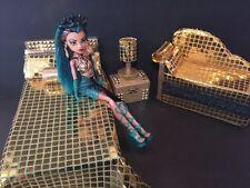 Monster High furniture Bedroom set: Nefera De Nile. Bed,sofa,woodbox,lamp