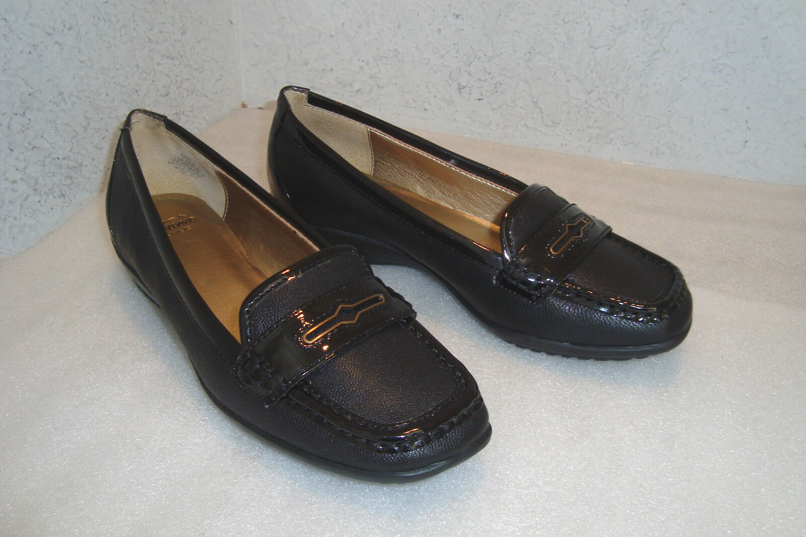Circa Joan & David Luxe Damenschuhe Finton Leder Flats Schuhes 6 MED Preowned