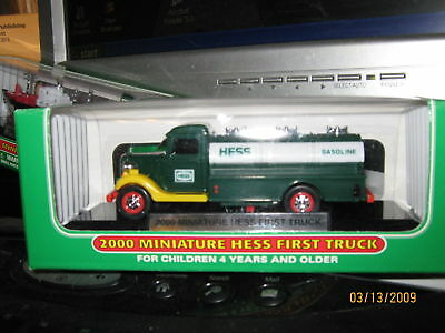 HESS 2000 Miniature Hess First Truck Mini Diecast Truck Series Advertising ~NEW