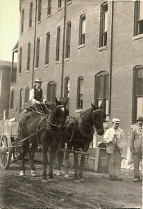 STREET-SCENE-WITH-CONSTRUCTION-WORKERS-HORSE-DRAWN-CARRIAGE-amp-ANTIQUE-PHOTO