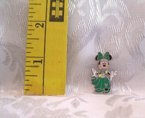 Walt Disney MINNIE MOUSE IN GREEN DRESS HIDDEN MICKEY TRADING PIN