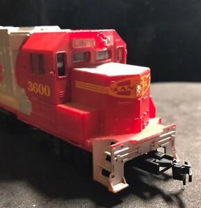 HO-Santa-Fe-unpowered-dummy-diesel-Lot-L100