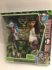 MONSTER HIGH LAB PARTNERS CLEO DE NILE & GHOULIA YELPS MAD SCIENCE 2 Pk Free Shp
