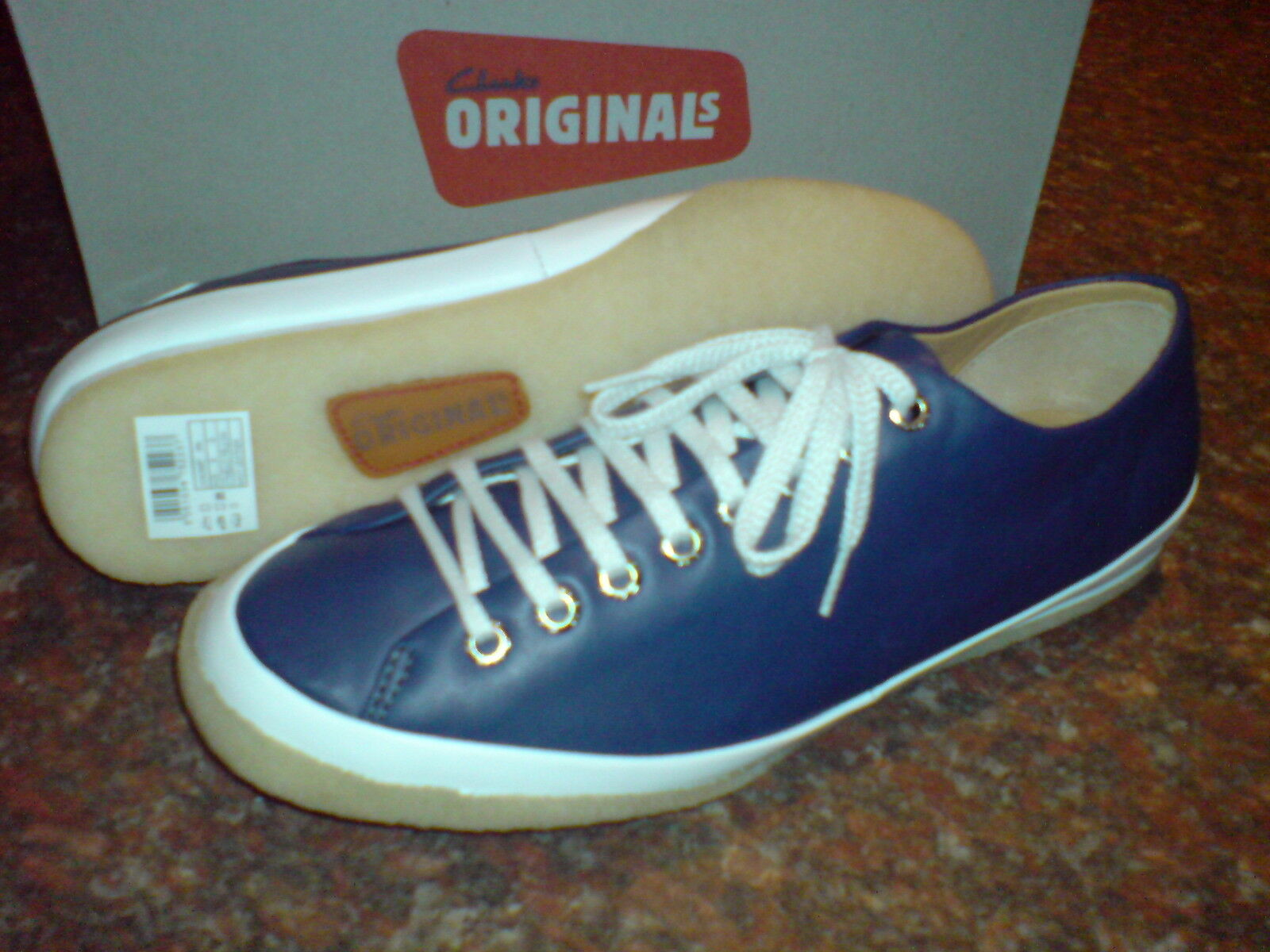 NEW CLARKS ORIGINAL MEN TRAINERS  NAVY LEATHER  OTHELLO UK 8