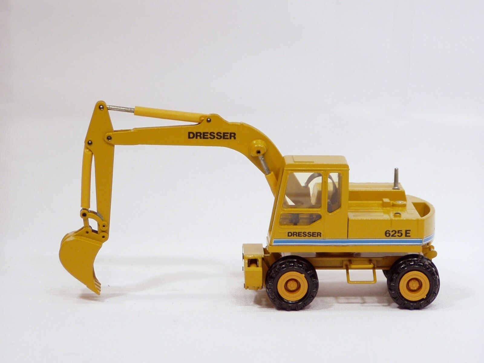 Dresser 625E Wheel Excavator - 1 50 - Conrad No Box
