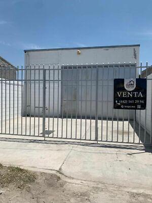 Bodega con local comercial y departamento en venta en San José El Alto, Qro
