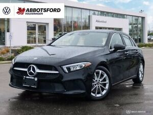2020 Mercedes-Benz Classe A A 250 4MATIC Hatch | 2.0T | One Owner | Sunroof | Navigation | Backup Camera | Keyless Entry! |