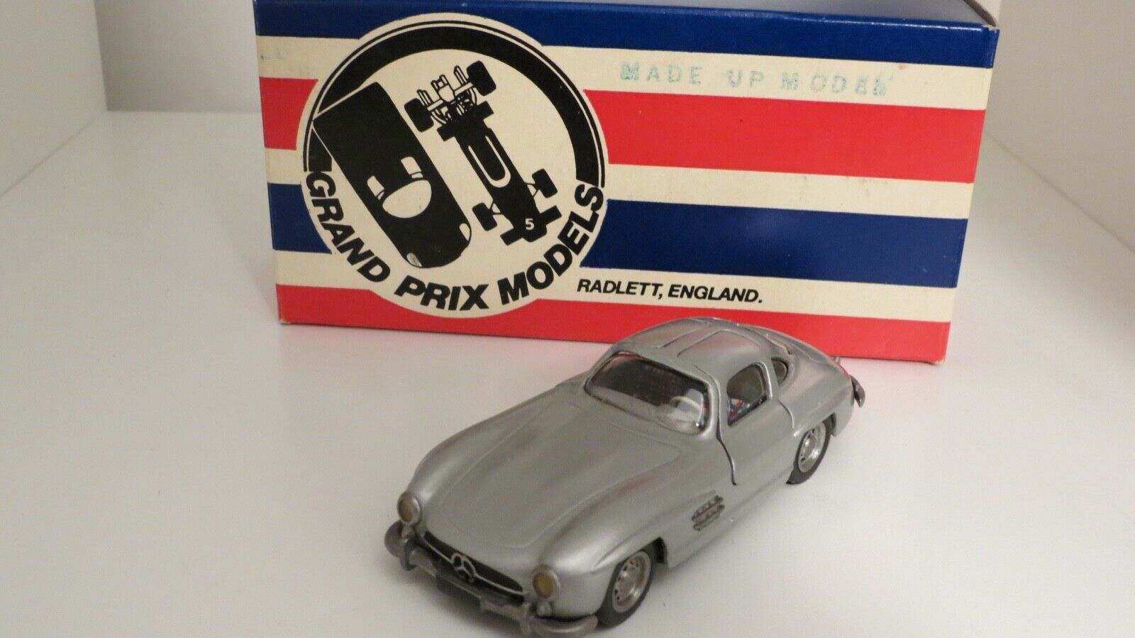 Mercedes 300 SL grand prix models 1 43 miniature